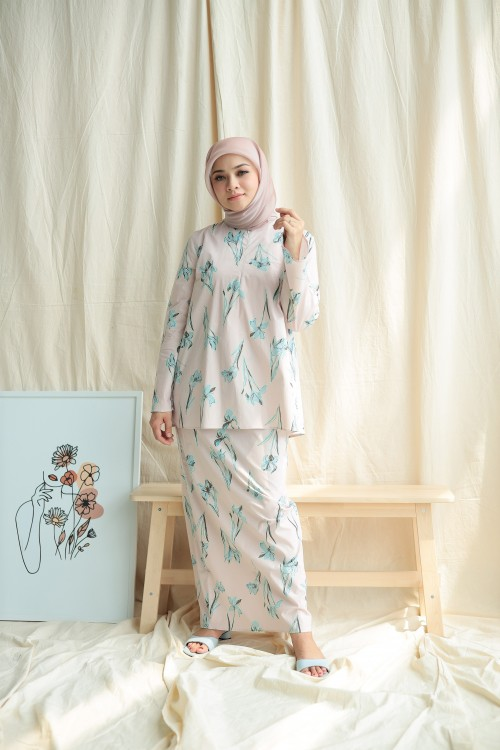 KURUNG LAILA IN SOFT PINK