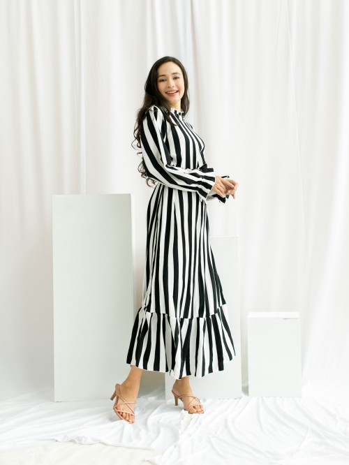 LASELLE DRESS IN WHITE BLACK